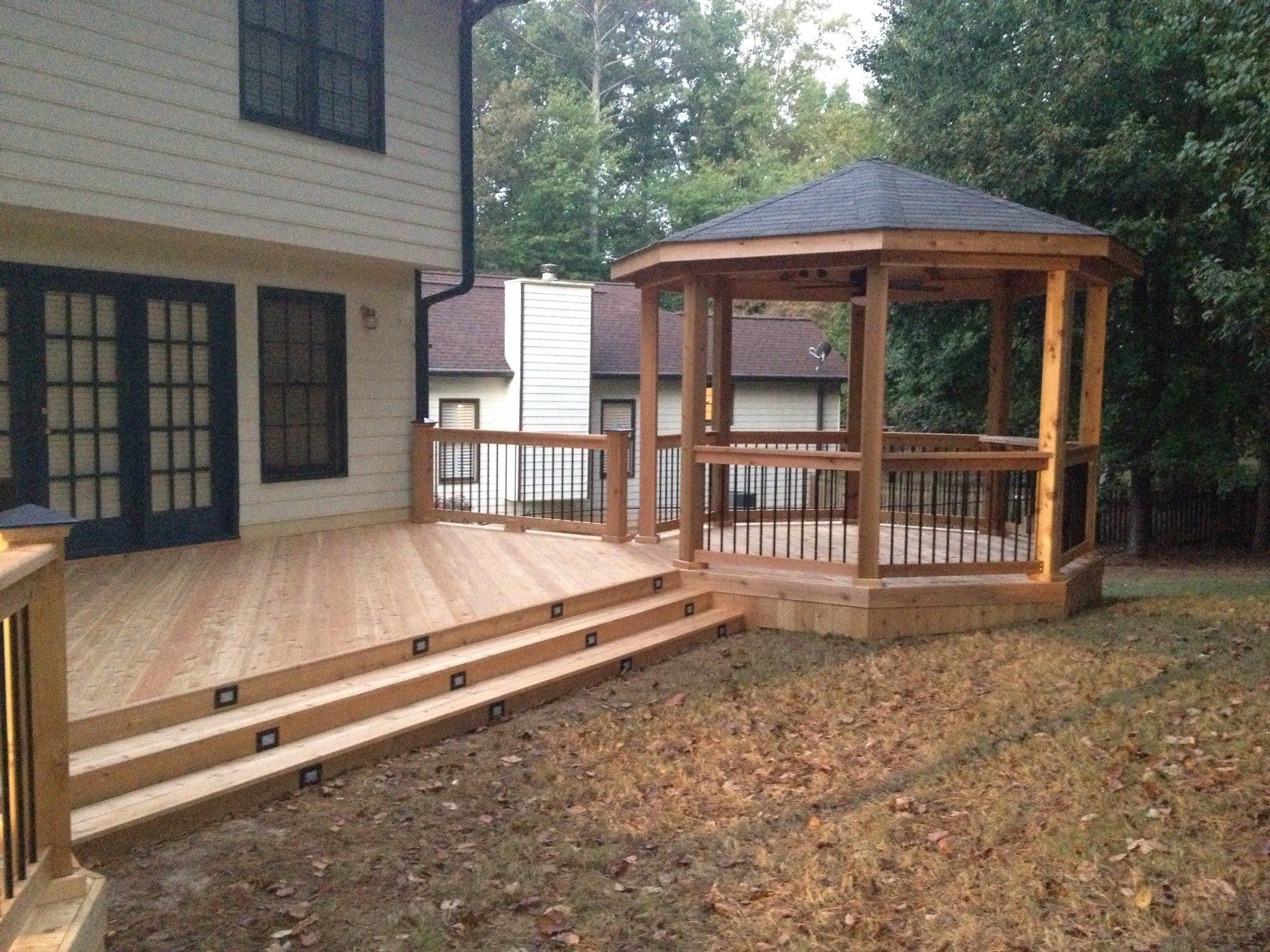 Deck and gazebo - Picture 1199