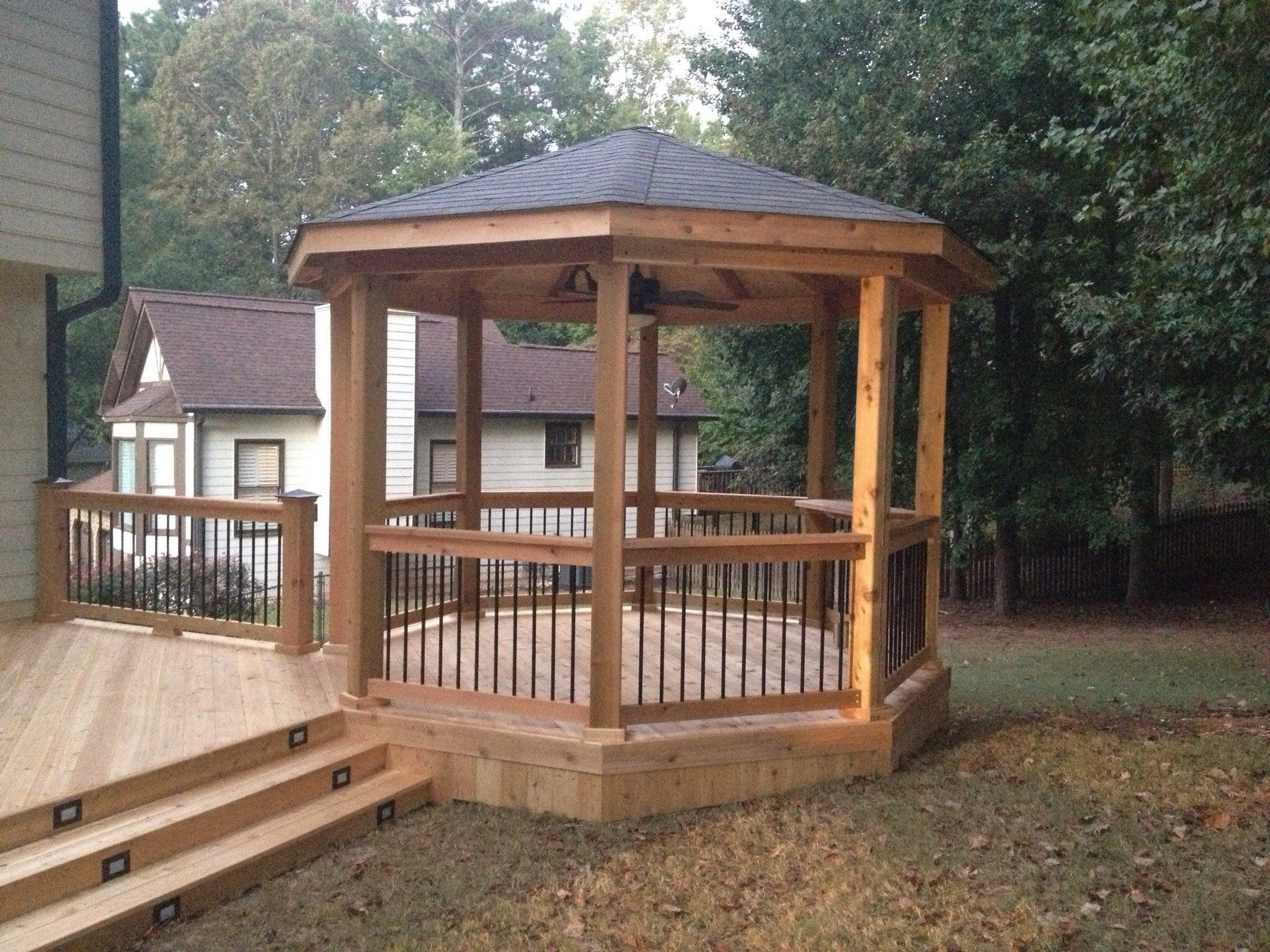 Deck and gazebo - Picture 1200
