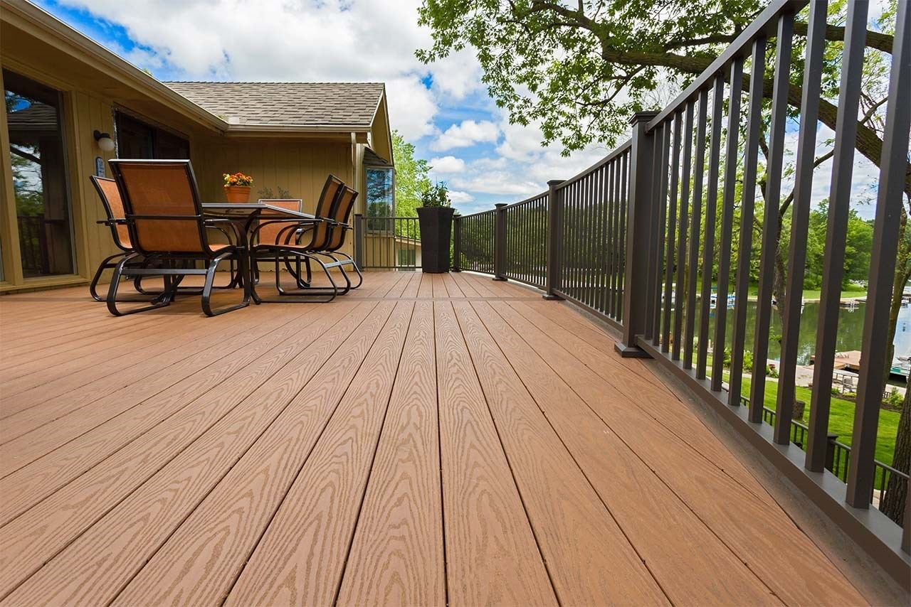 Radius Deck - Picture 1262