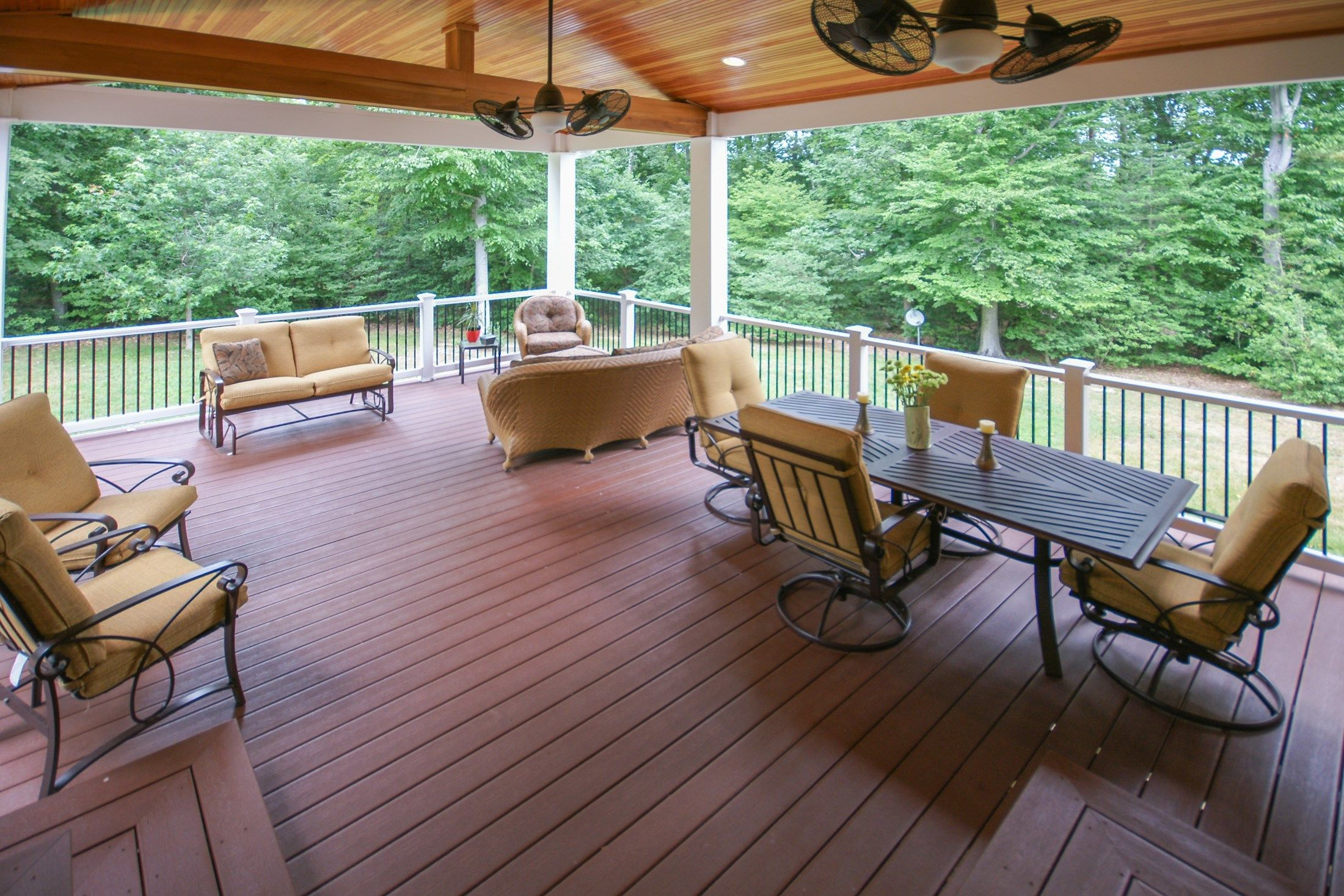 Hughesville deck - Picture 1602