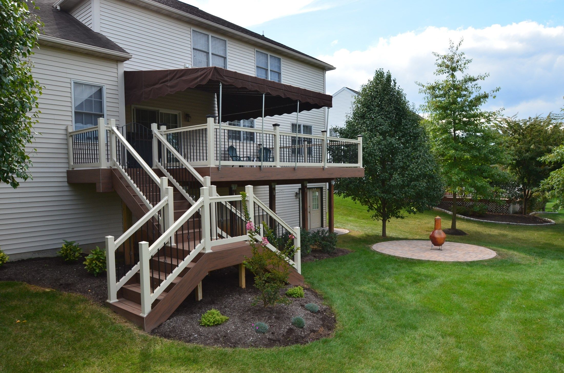 2nd story deck with custom stairs - Picture 1784