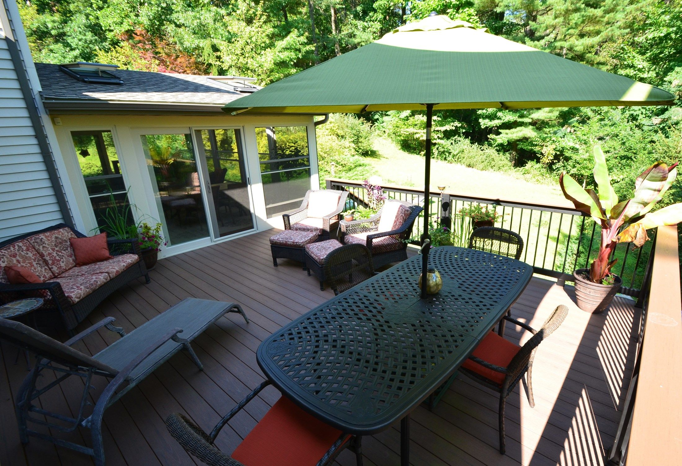 Deck and sunroom - Picture 1788