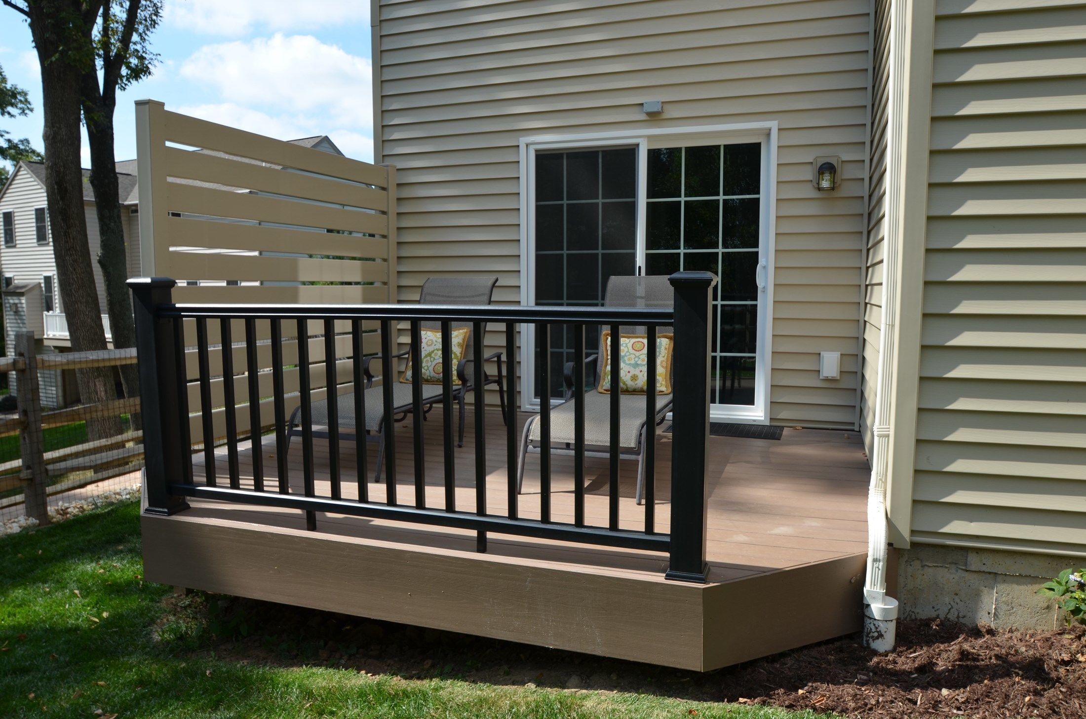 Custom Multi Level deck - Picture 1798