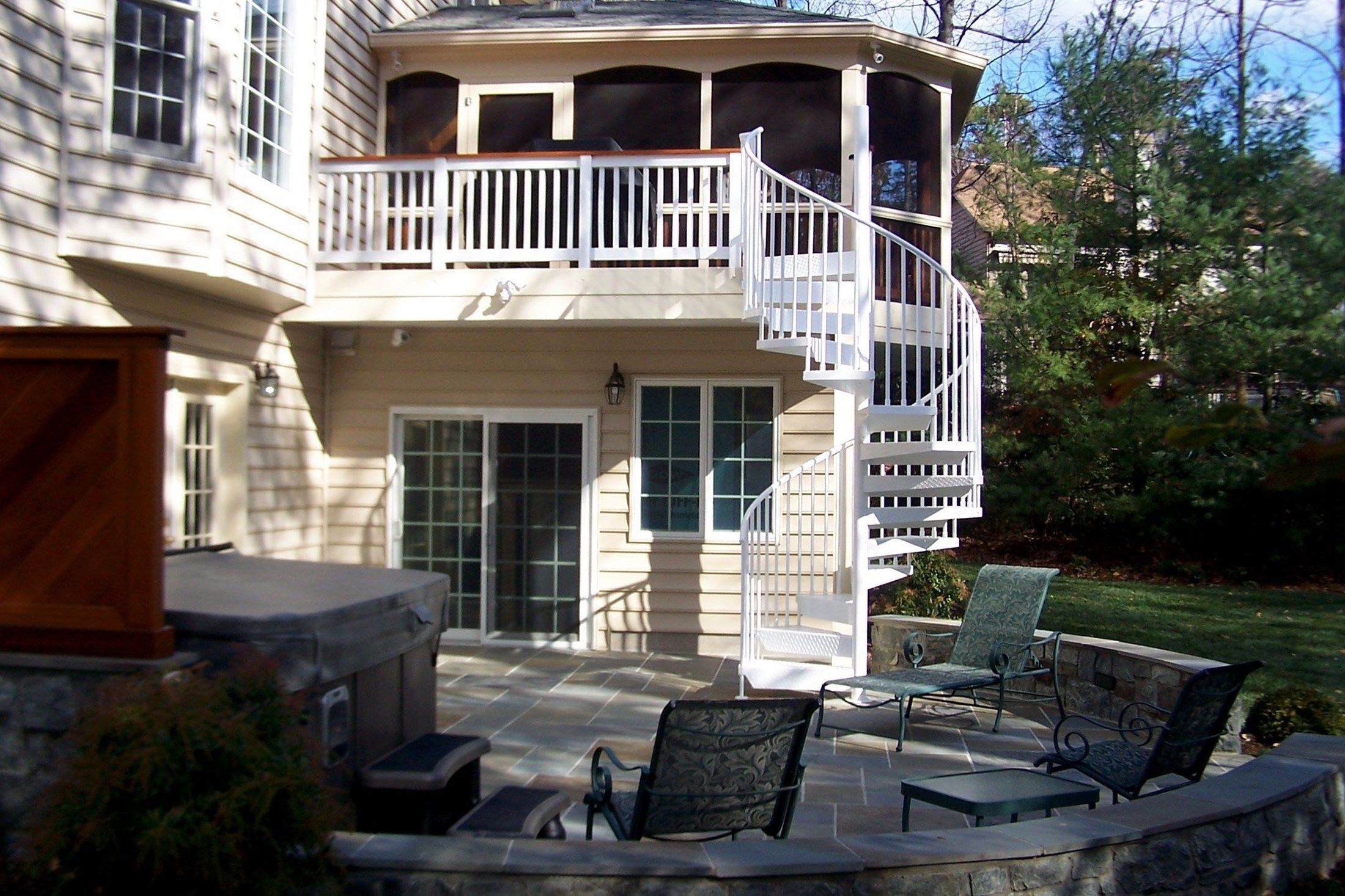 Porch - Picture 2080