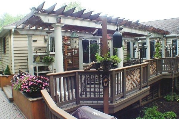 Deck with Arbor/Trellis - Picture 2100