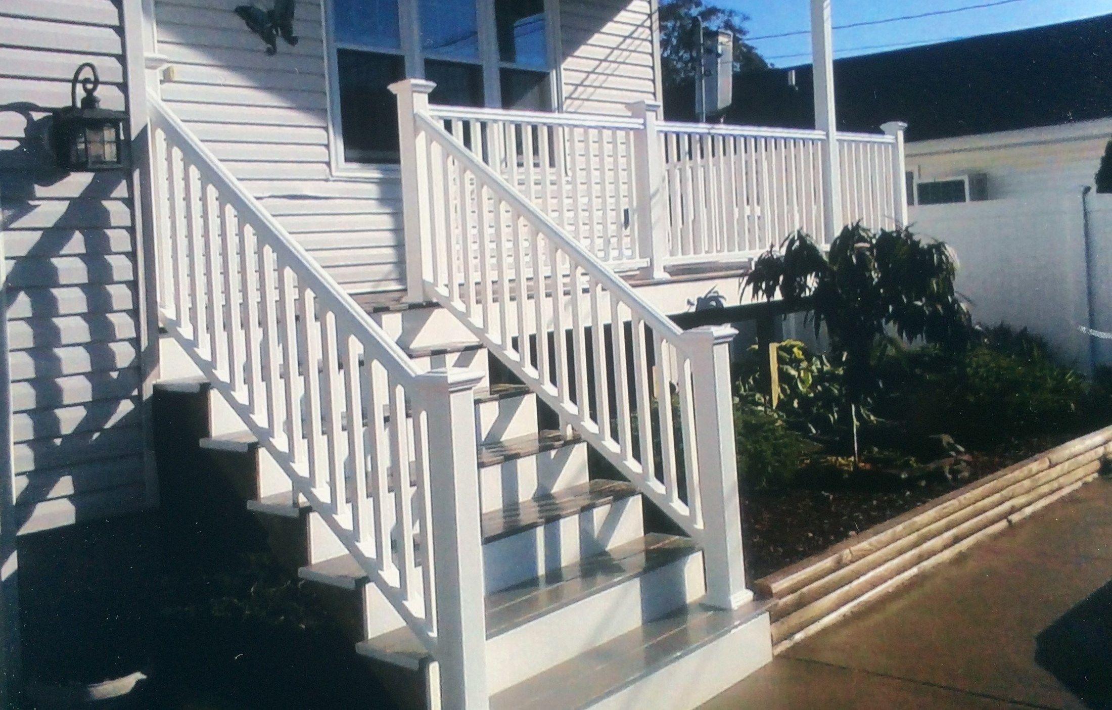 Brookhaven Porch - Picture 3176