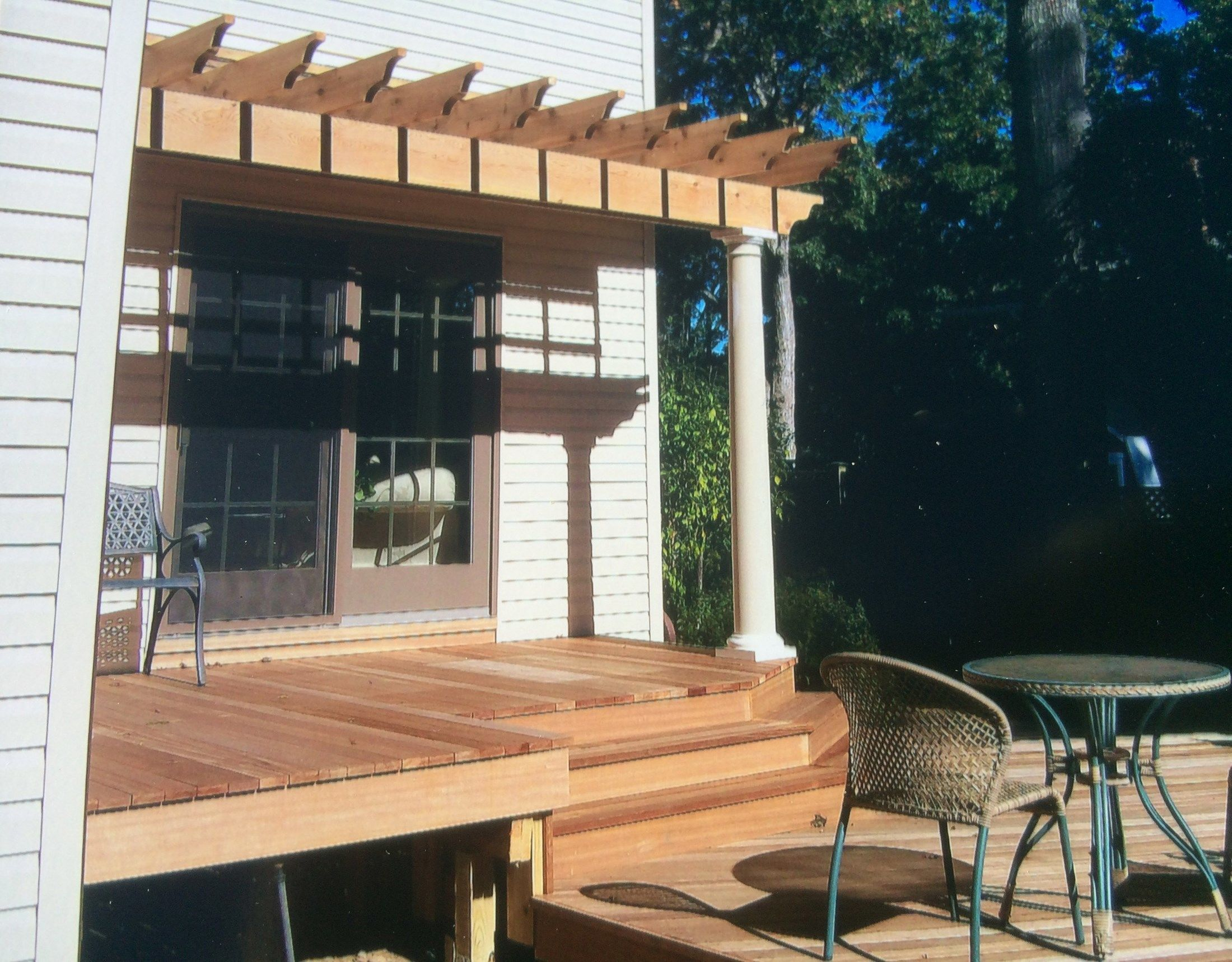 Mahogany Deck - Picture 3183
