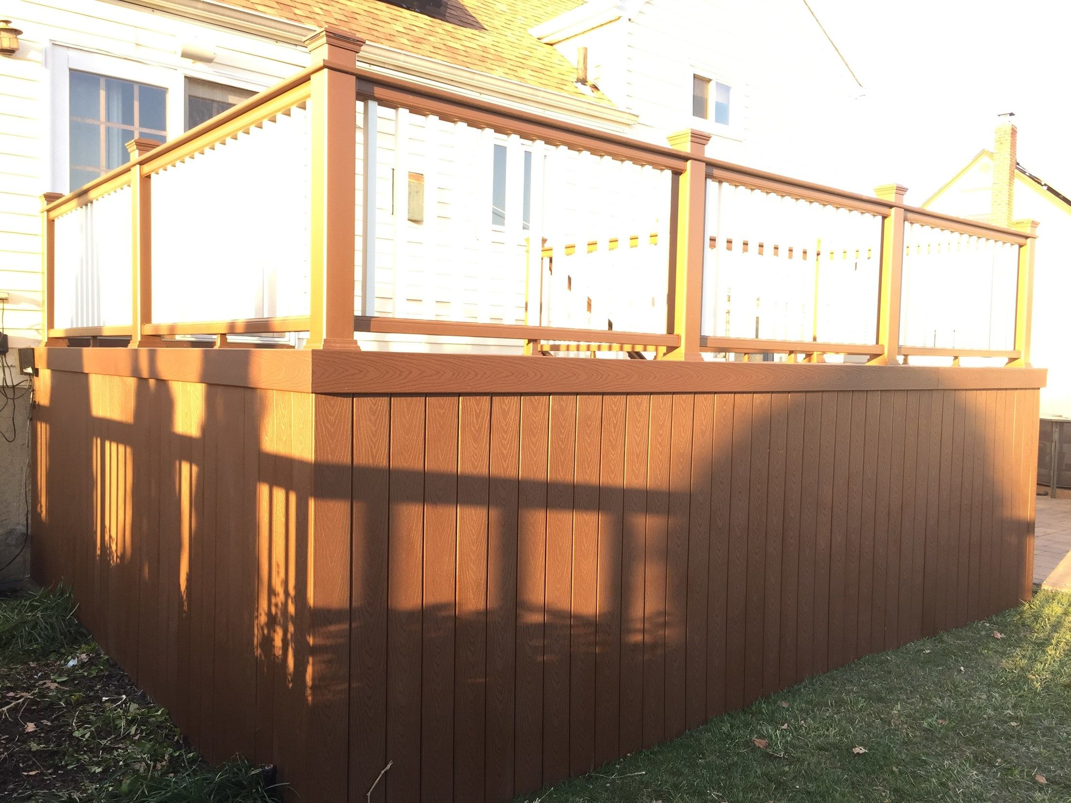 Deck in Lindenhurst - Picture 3212