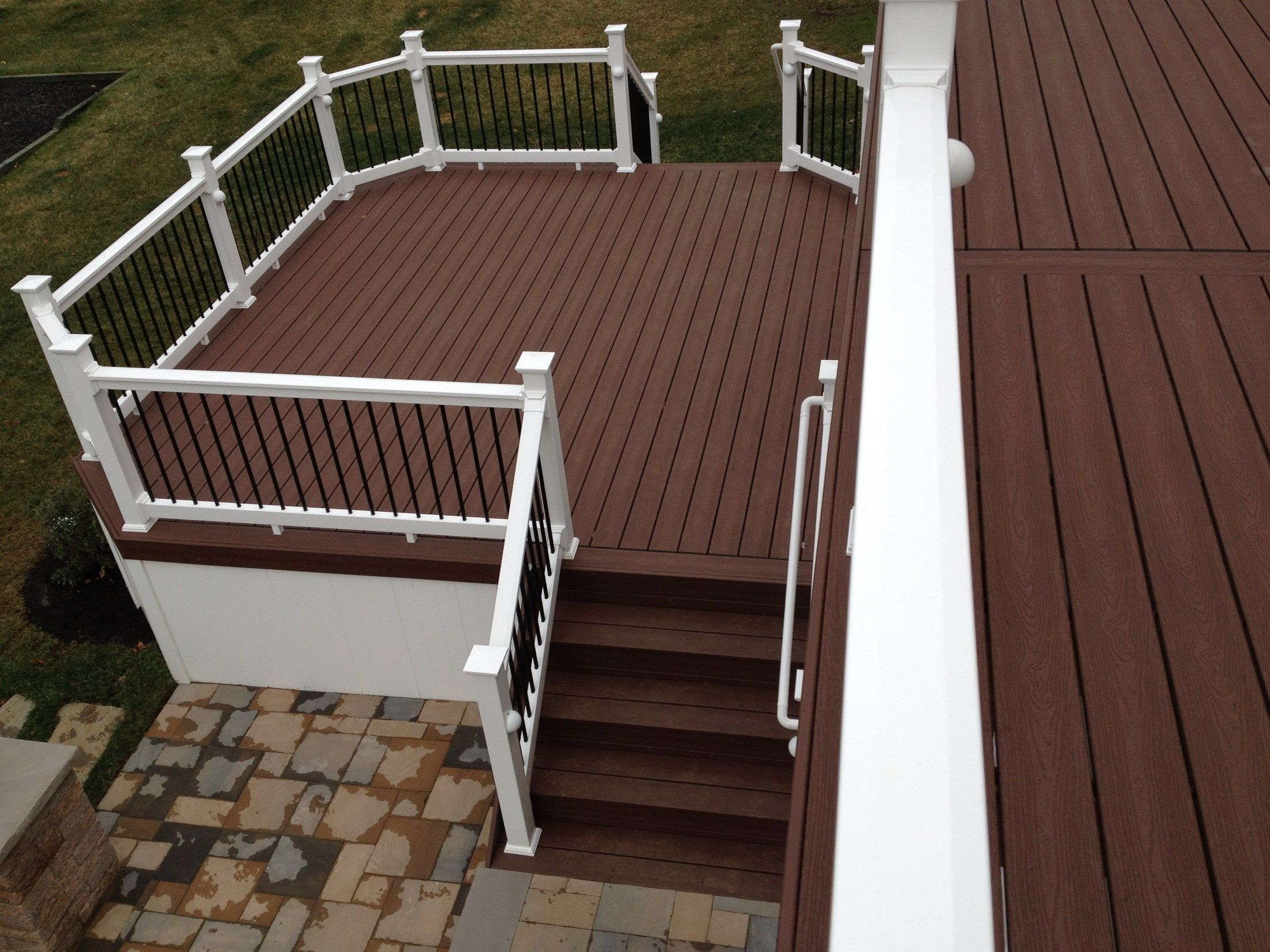 Custom deck in Manalapan NJ - Picture 3242