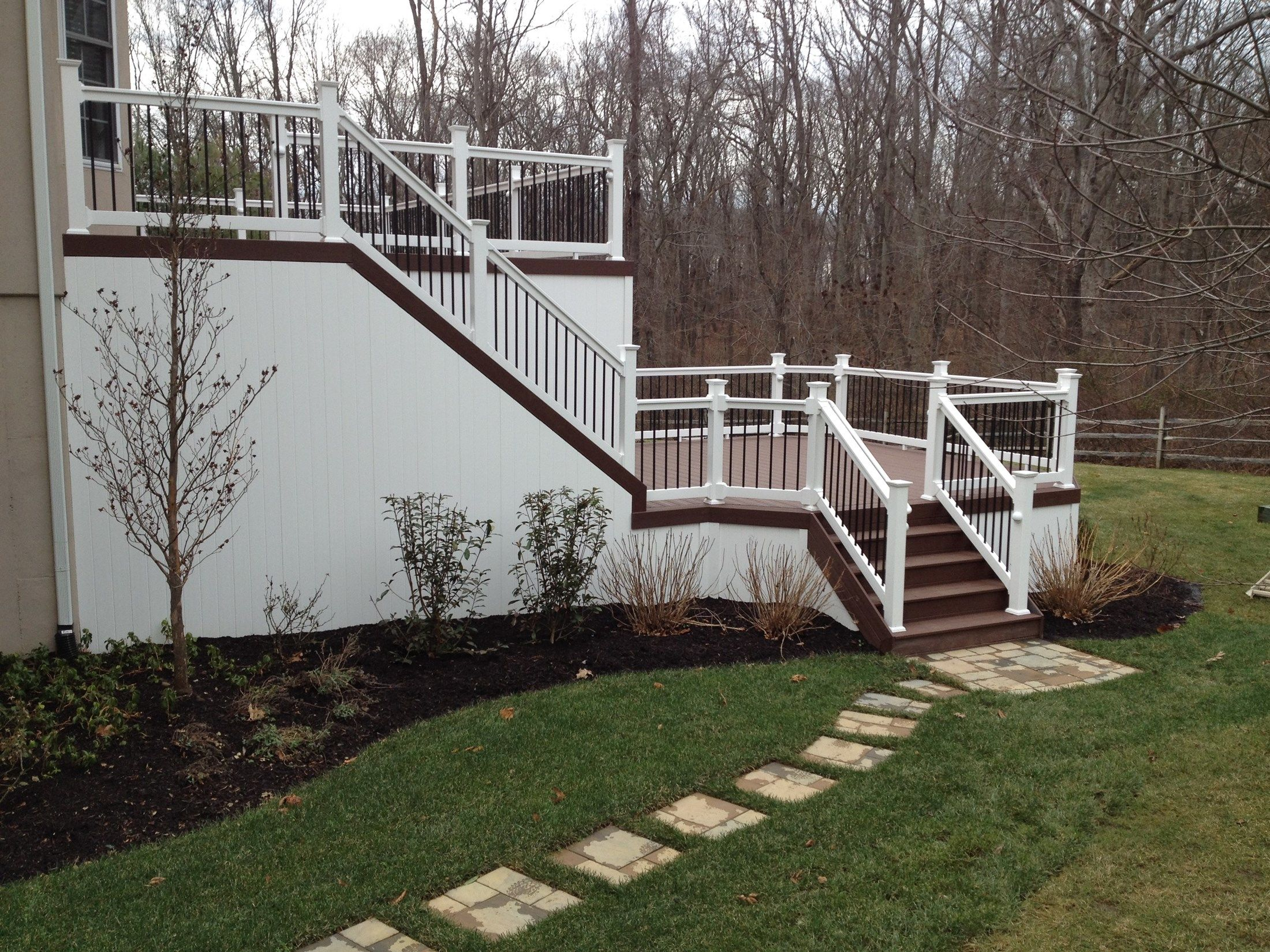 Custom deck in Manalapan NJ - Picture 3243