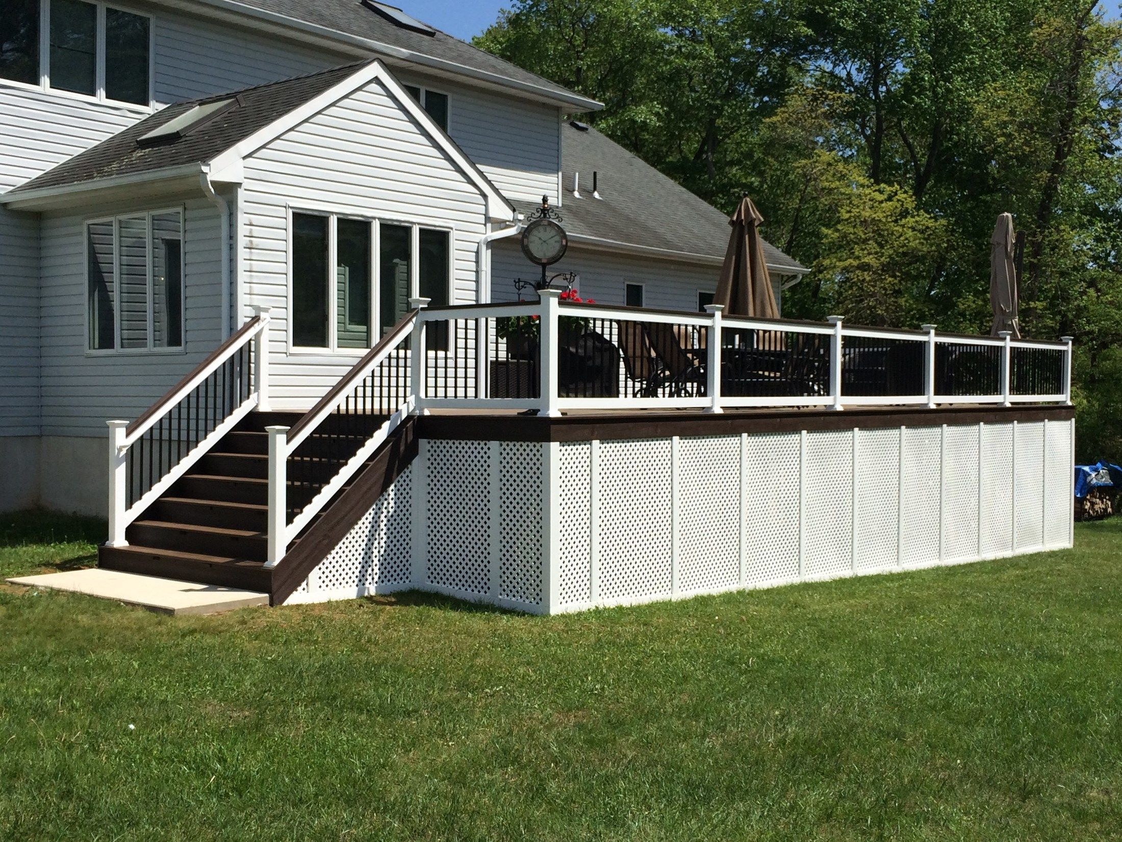 Custom Deck in Manalapan NJ - Picture 3253