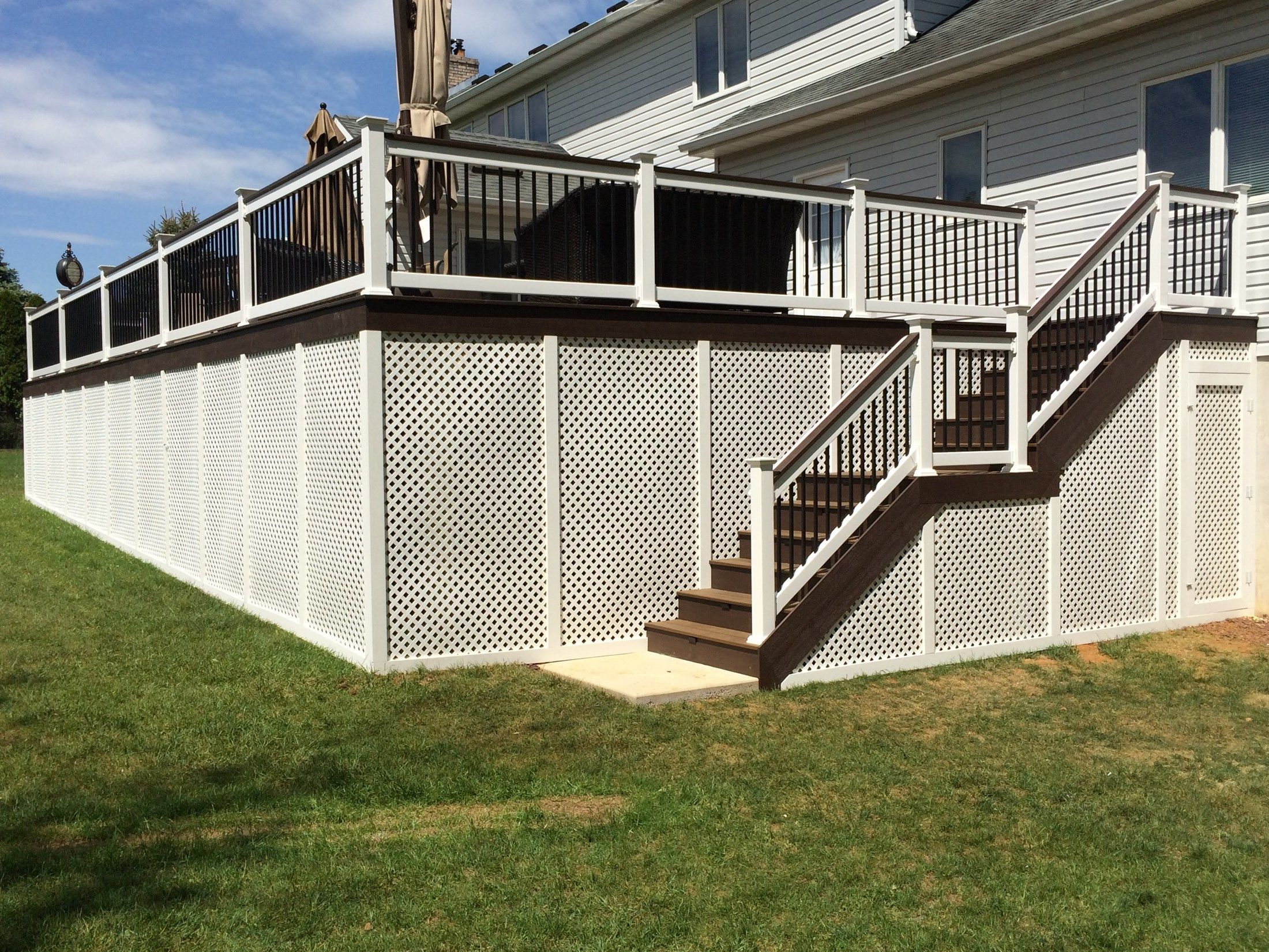 Custom Deck in Manalapan NJ - Picture 3254