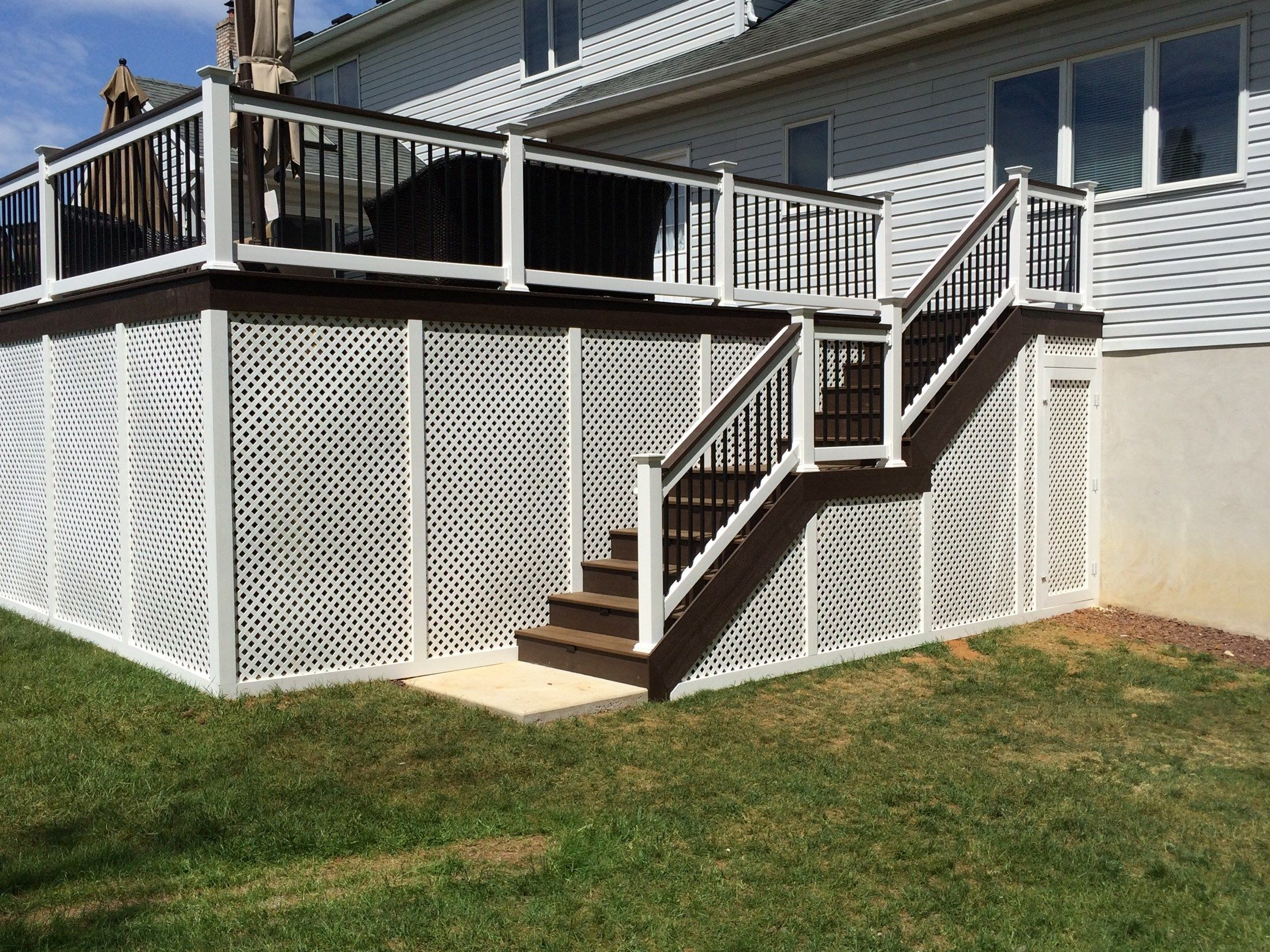 Custom Deck in Manalapan NJ - Picture 3259