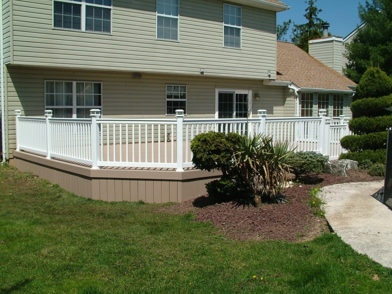 Custom Deck in Manalapan NJ - Picture 3375