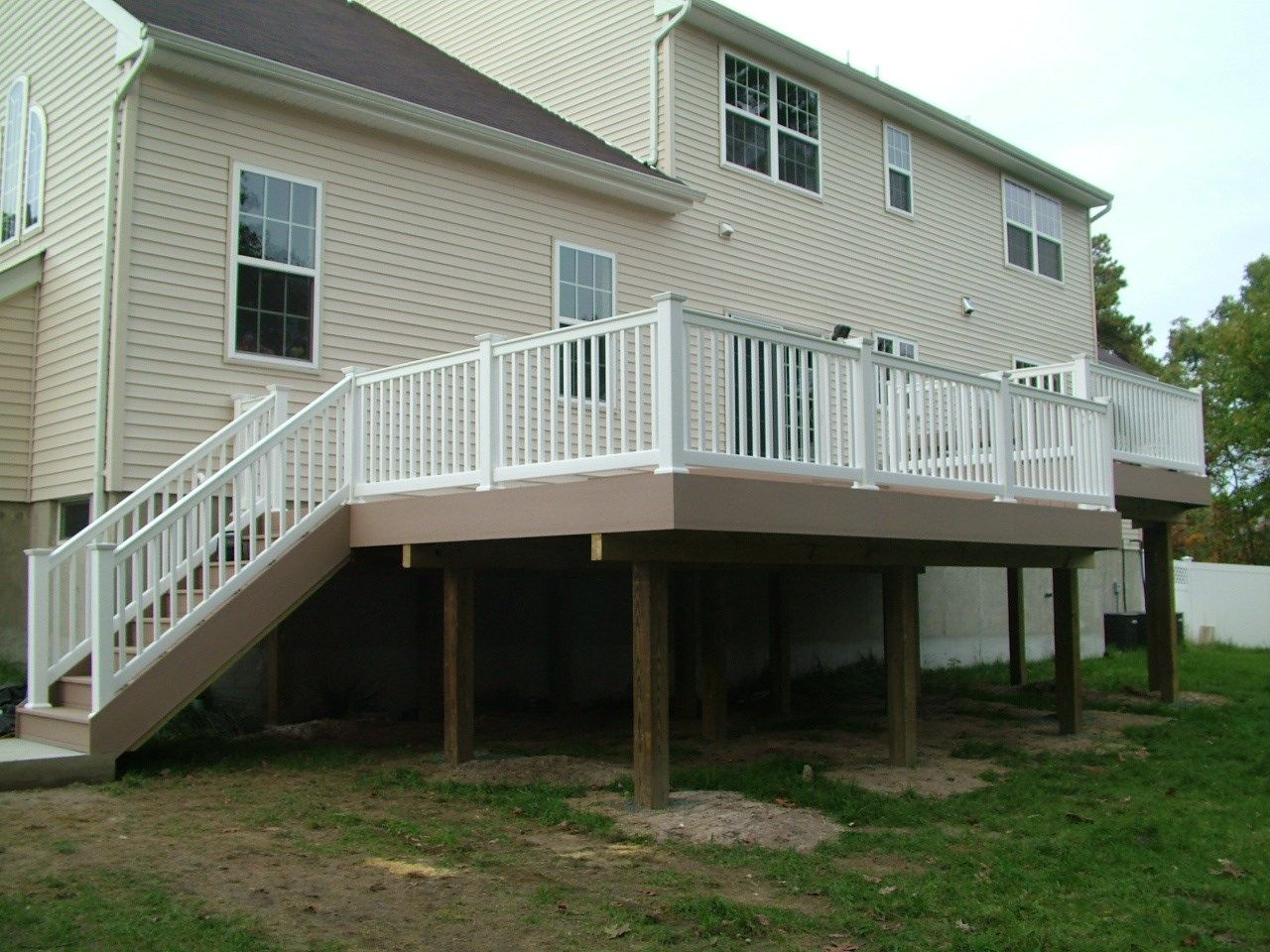 Custom Deck in Marlboro N.J. - Picture 3382