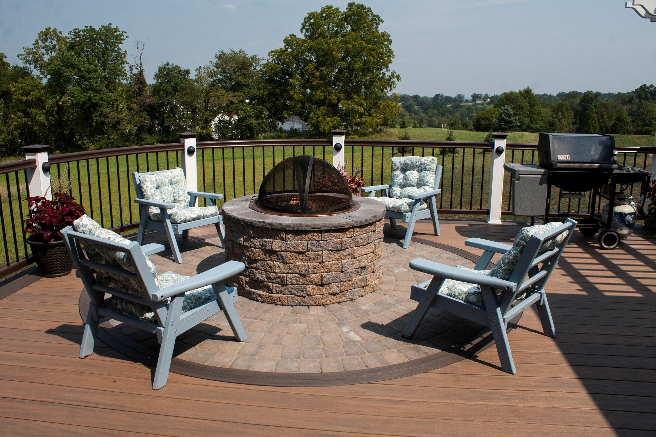 Deck with Fire Pit & Pergola - Picture 3526 | Decks.com