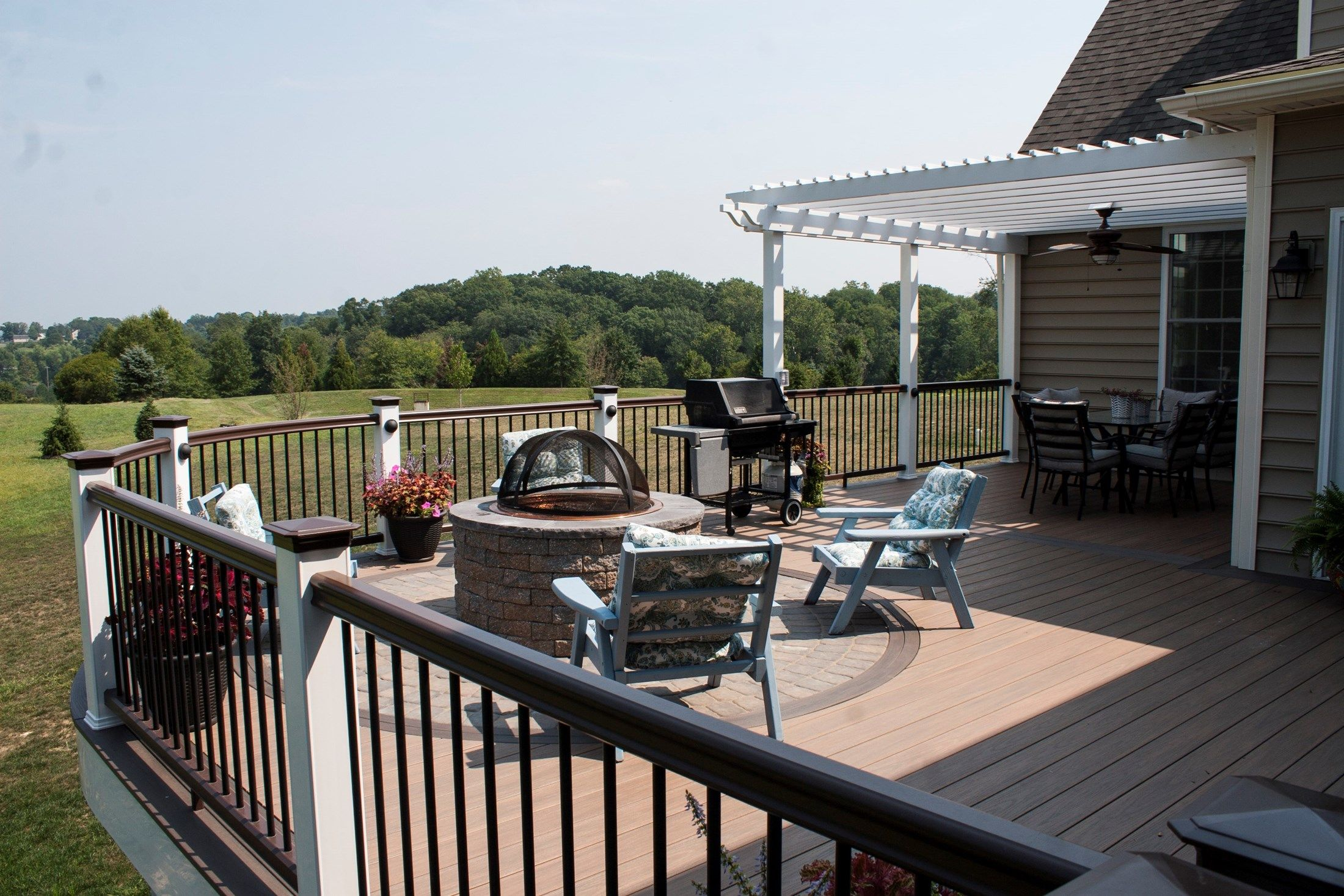 Deck with Fire Pit & Pergola - Picture 3527