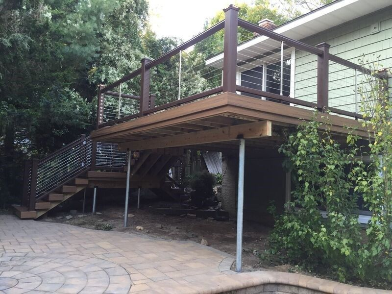 Deck in Smithtown - Picture 3747