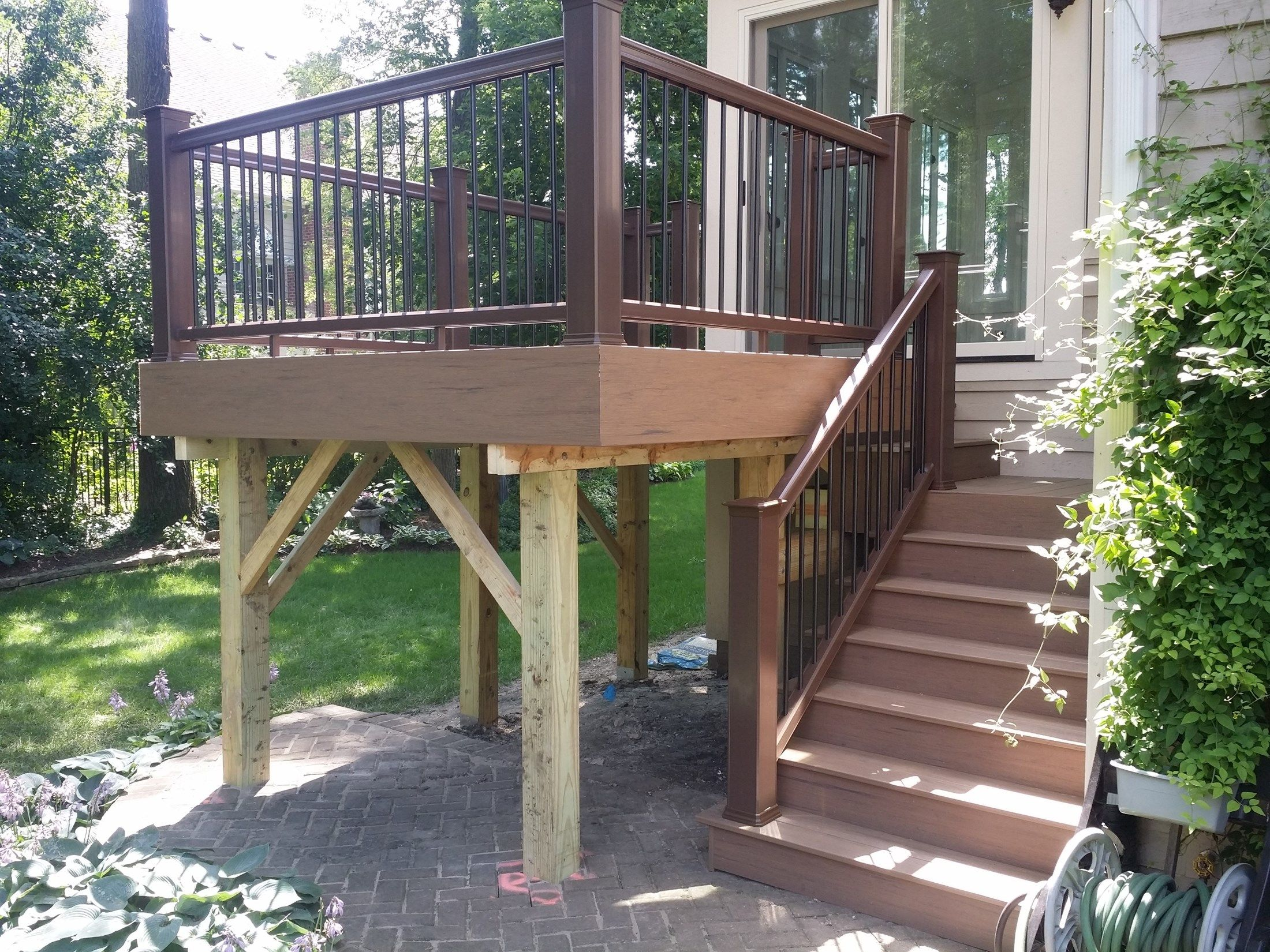 Deck - Picture 3814
