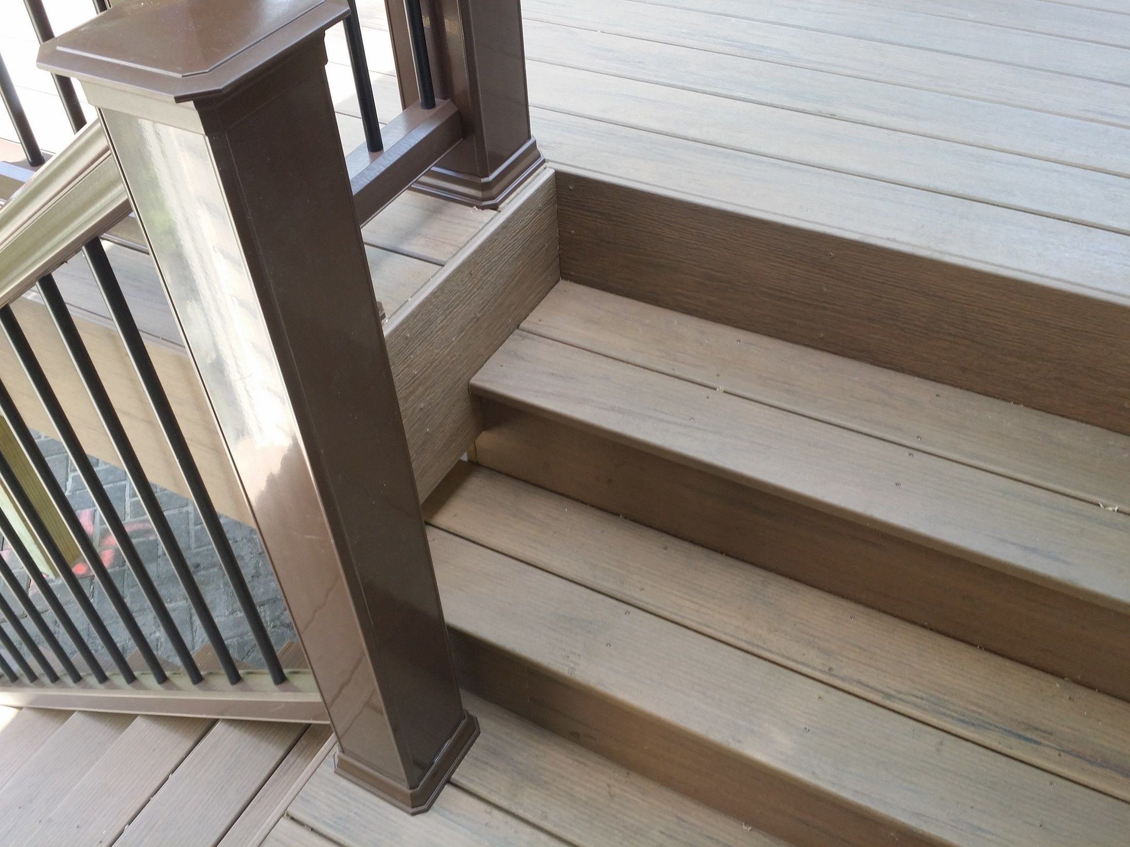 Deck - Picture 3815