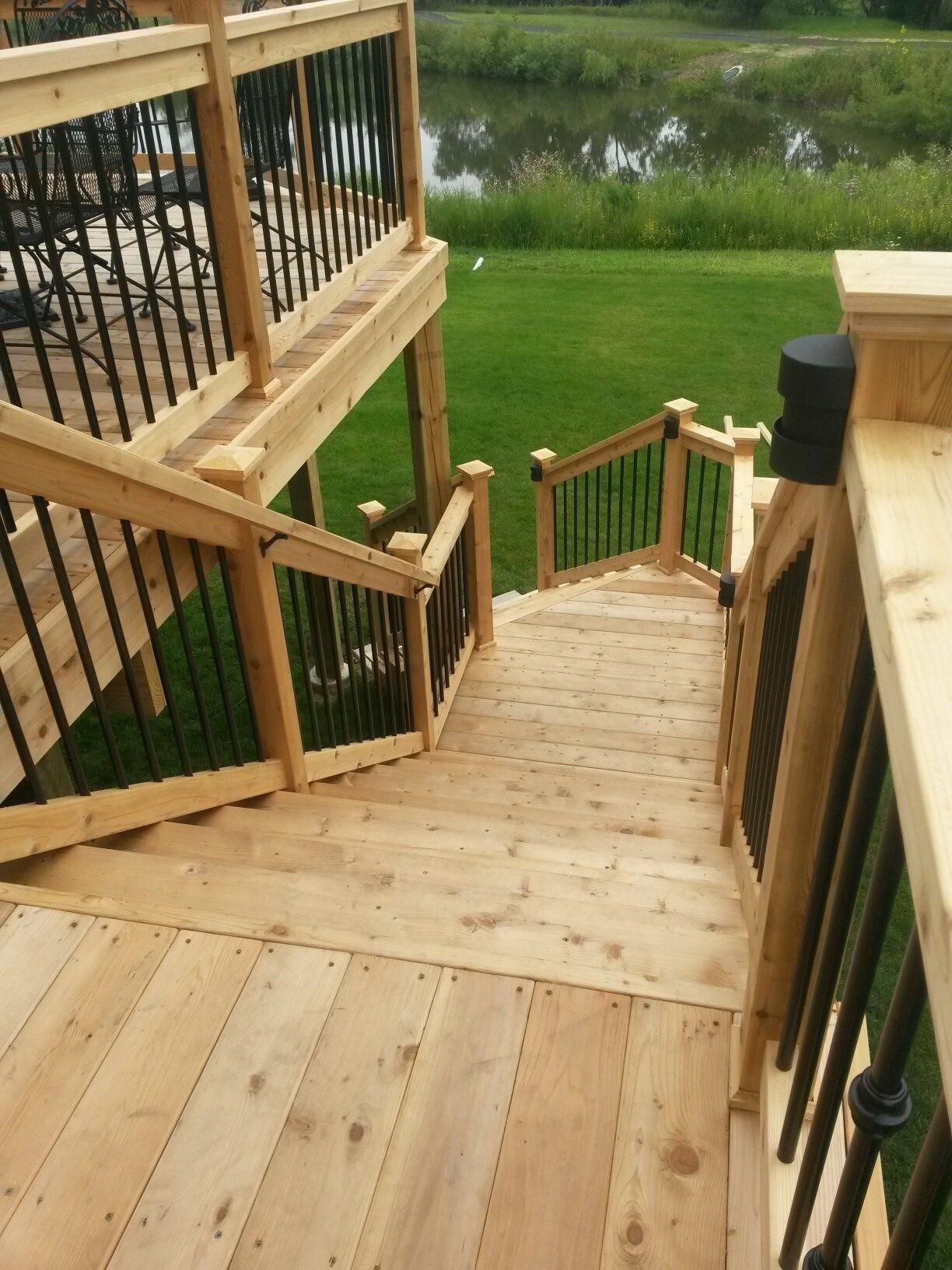 Cedar Deck - Picture 3823