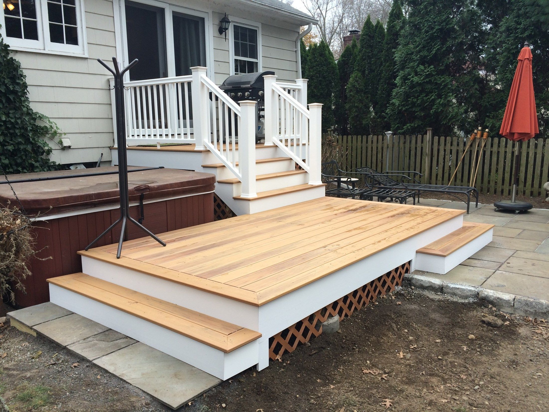 Deck/Patio Combo - Picture 3833