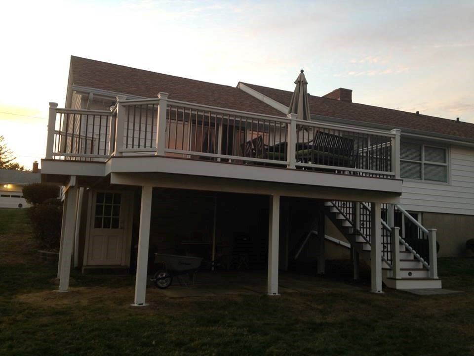 Composite Deck - Picture 3858