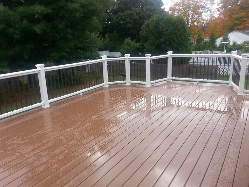 Composite Deck - Picture 3859