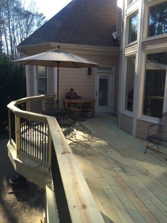 Curved Deck w/ Drainage - Picture 4057