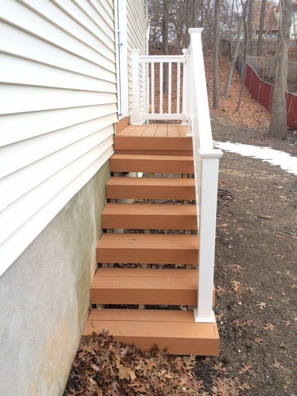 Deck in Amityville - Picture 5049