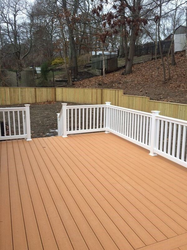 Deck in Amityville - Picture 5050