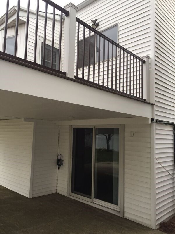 Deck in Merrick, NY 11566 - Picture 5071