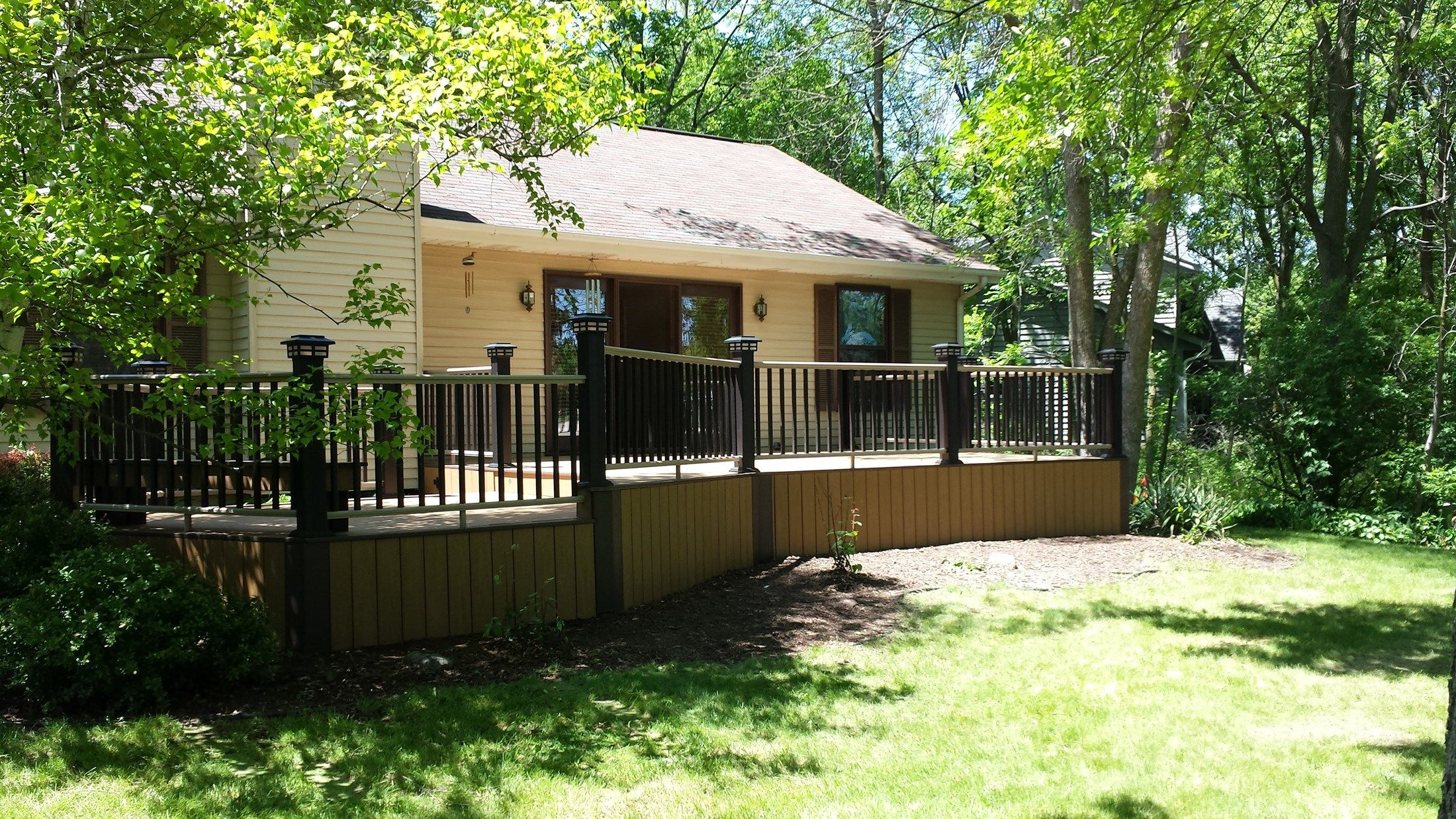 Azek Deck Pewaukee - Picture 5116