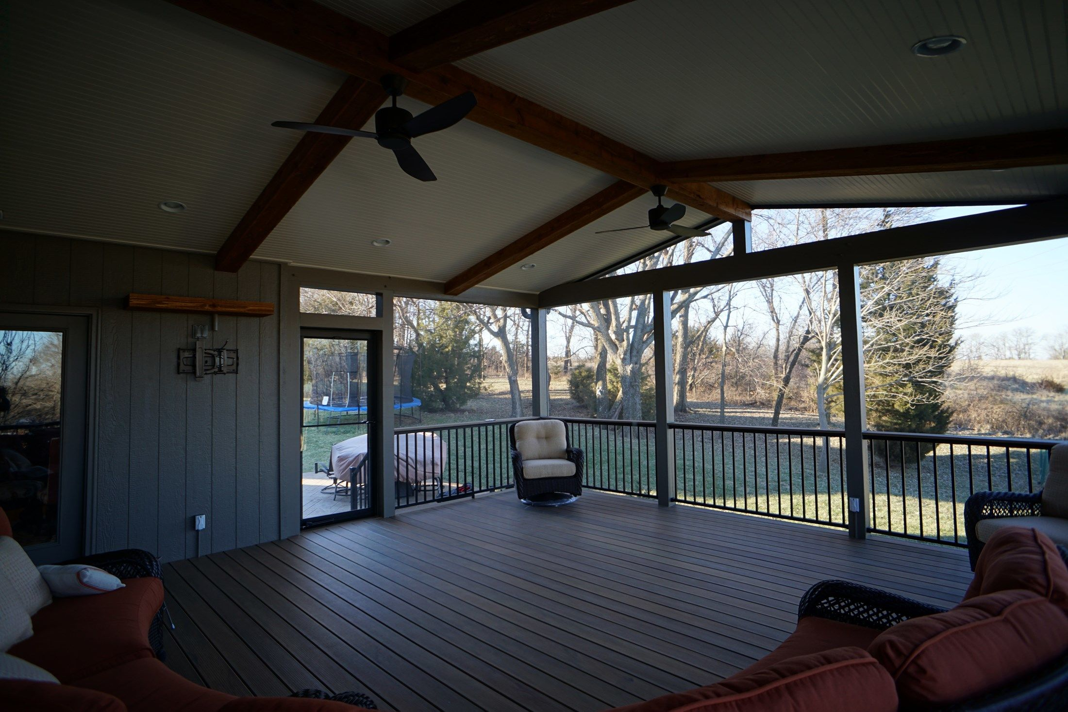 Gable Roof Screened Porch - Picture 5181