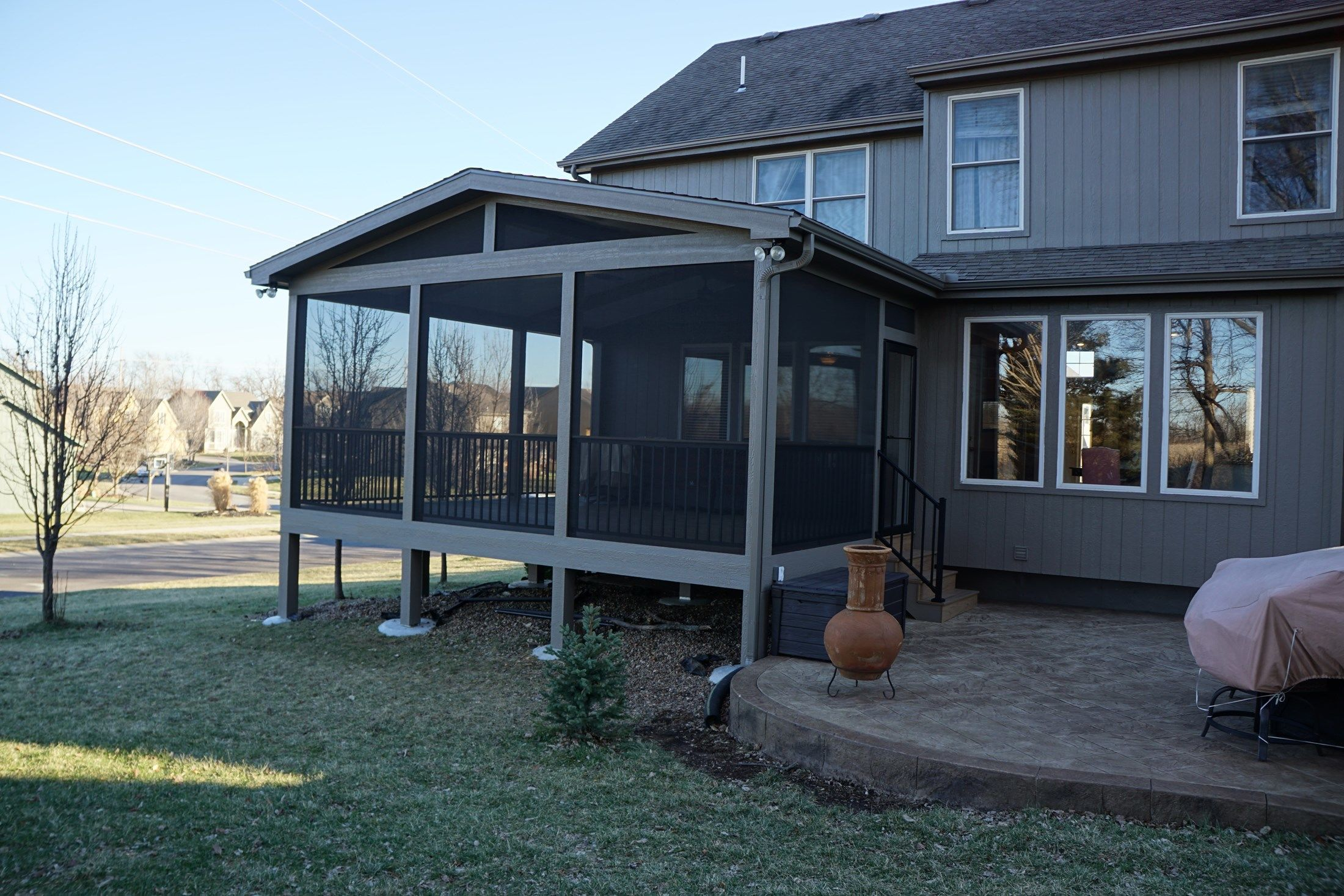 Gable Roof Screened Porch - Picture 5182
