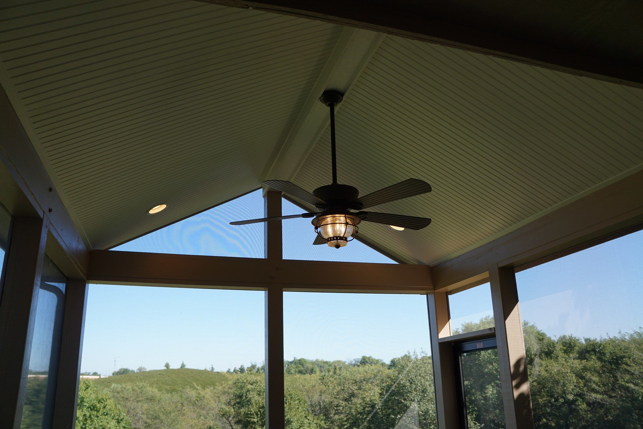 Gable Roof Screened Porch - Picture 5189