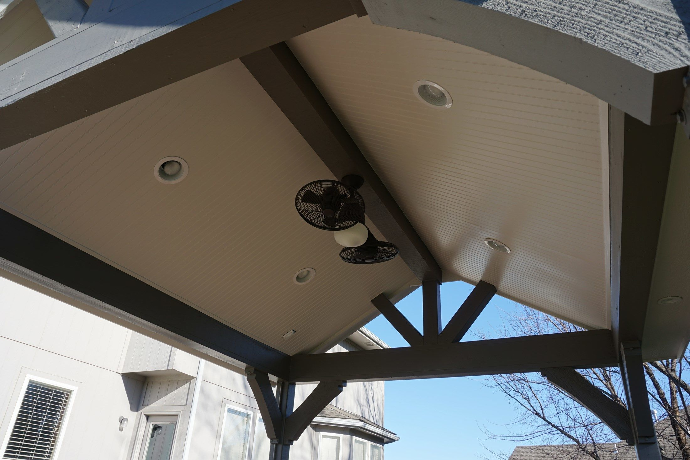 Gable Roof Porch - Picture 5222