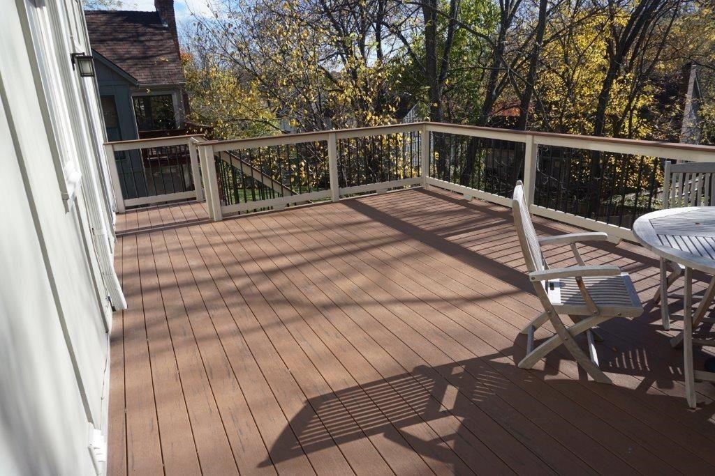 Composite Deck - Picture 5240