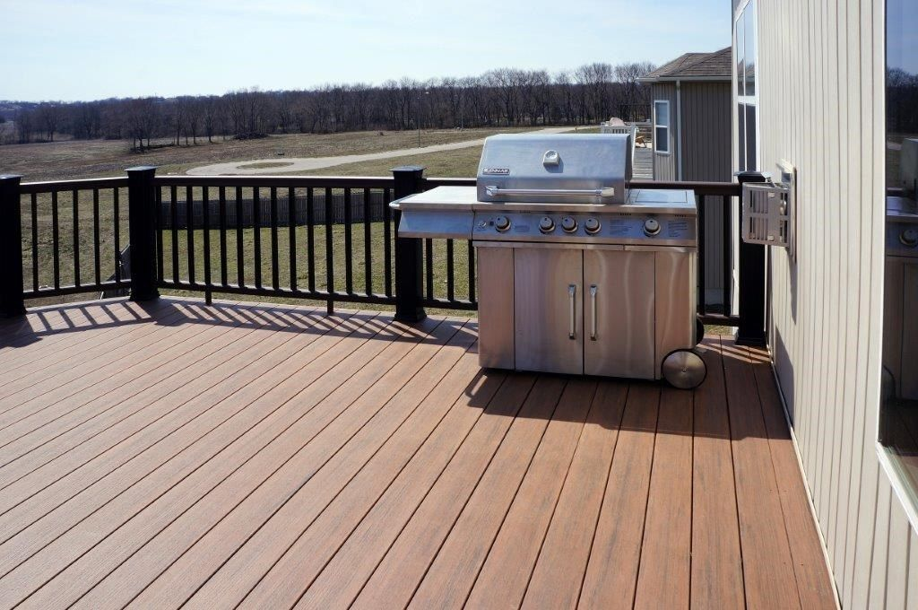 Composite Deck - Picture 5268