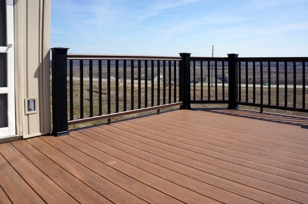 Composite Deck - Picture 5272