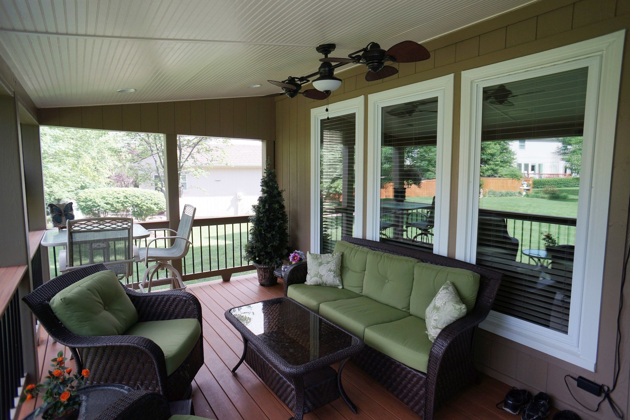 One-Pitch Roof Porch - Picture 5277