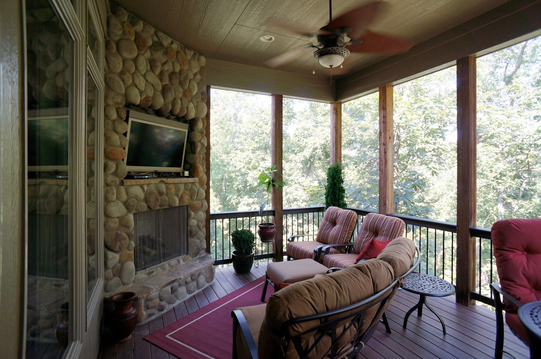 Hip Roof Screened Porch - Picture 5279
