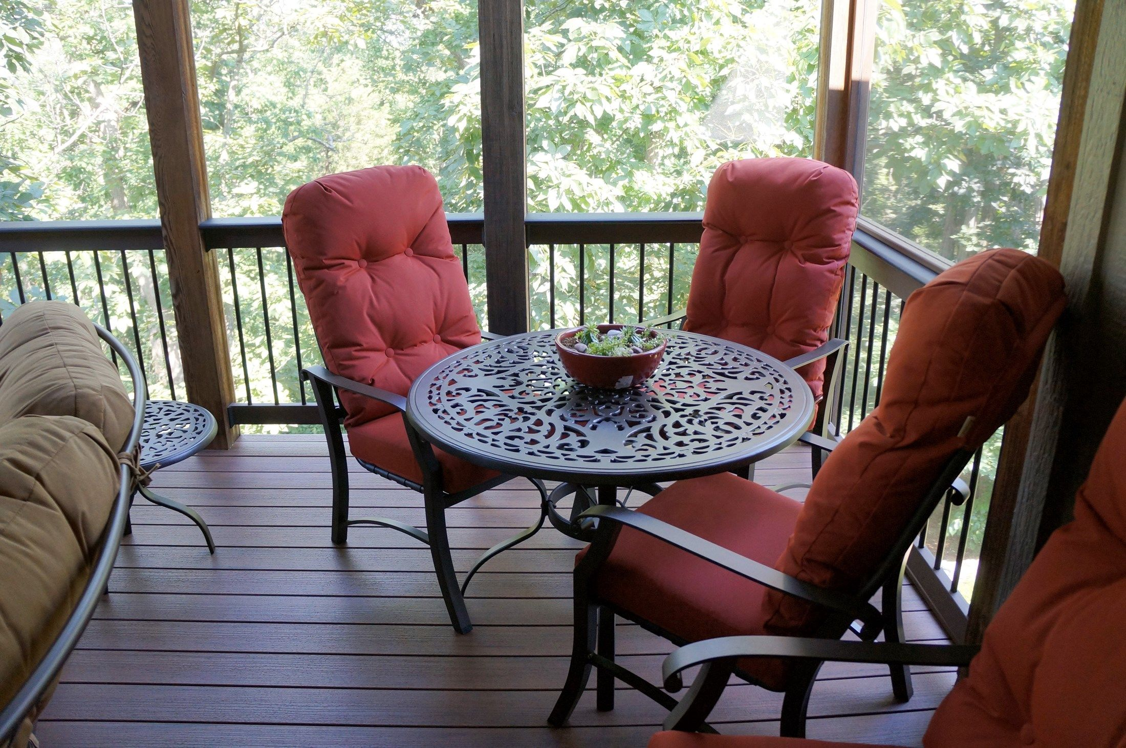 Hip Roof Screened Porch - Picture 5282