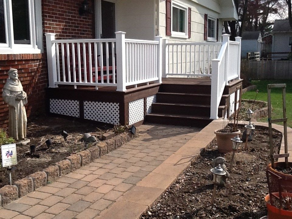 Eye Catching Front Porch - Picture 6228
