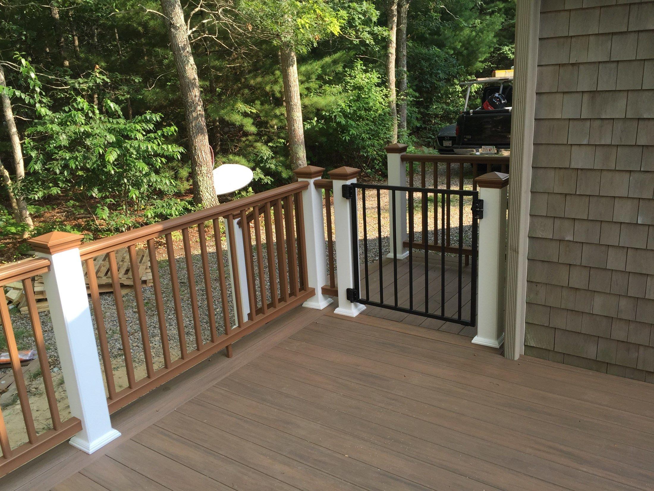 Cape Cod Classic Deck - Picture 6231