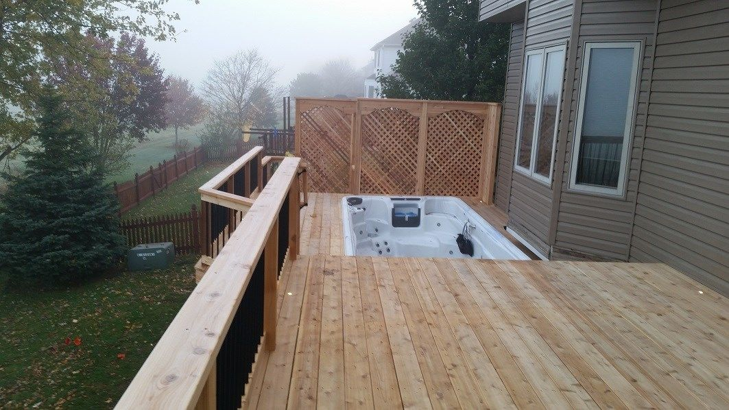 cedar deck around hot tub - Picture 6395