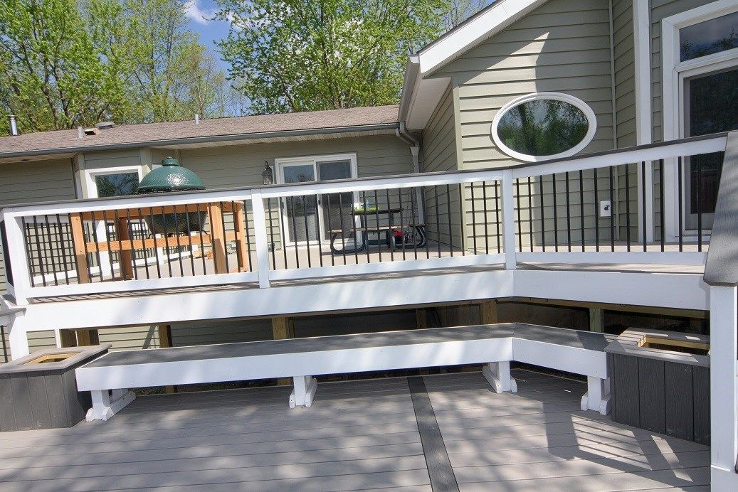 Gooselake Trex deck - Picture 6397