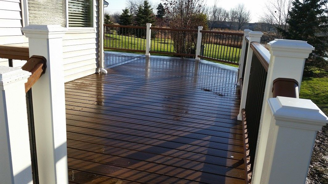 Romioville Full Trex deck - Picture 6398