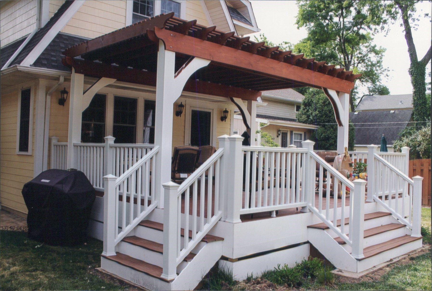 All trex deck with cedar pergola - Picture 6402