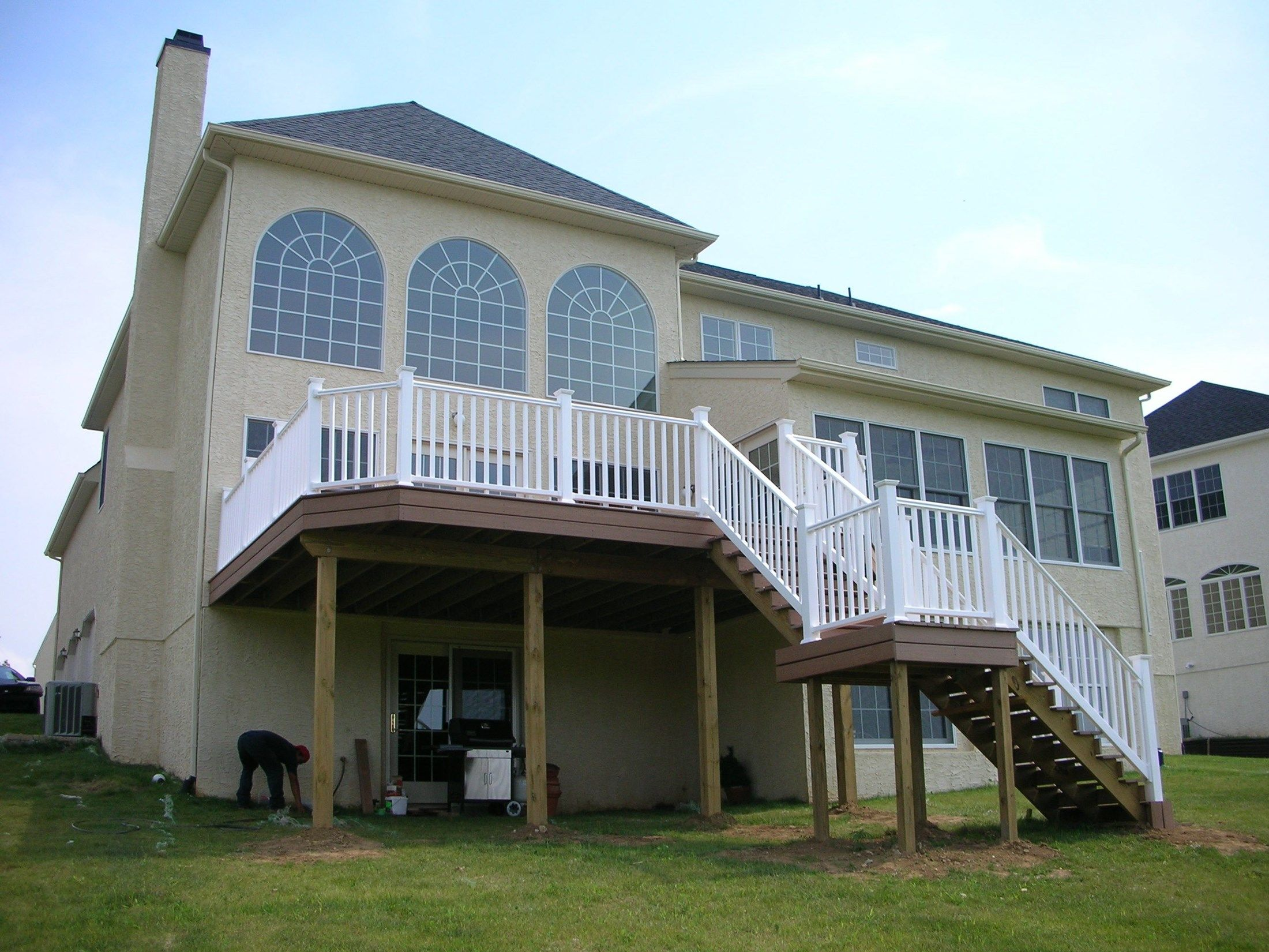 Composite Decks With PVC Vinyl Railing - Picture 6437